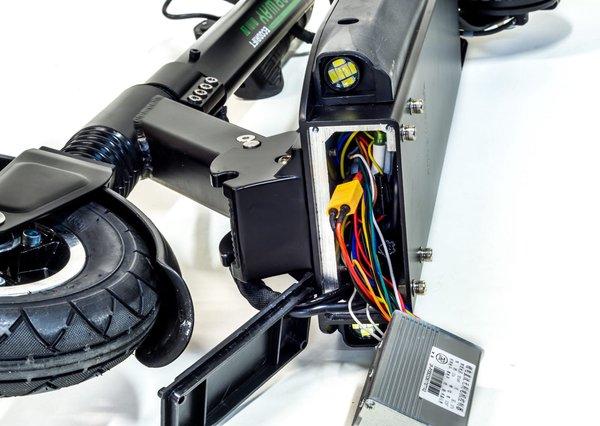 Фотография разобранного электросамоката